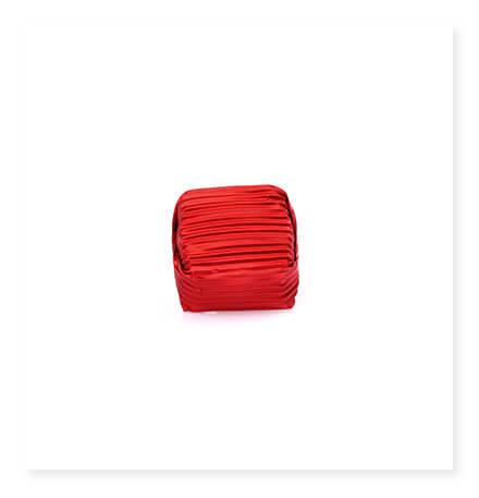 Kırmızı Yaldızlı Küçük Kare